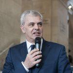"""Christophe Bouchet, maire de Tours. Vernissage de l'exposition """"Les Bleus dans les Yeux des Photojournalistes de l'AFP"""""""
