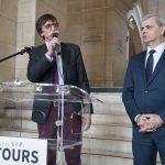 """Jérôme Bouvier, président de Journalisme & Citoyenneté; Citoyenneté et Christophe Bouchet, maire de Tours. Vernissage de l'exposition """"Les Bleus dans les Yeux des Photojournalistes de l'AFP"""""""